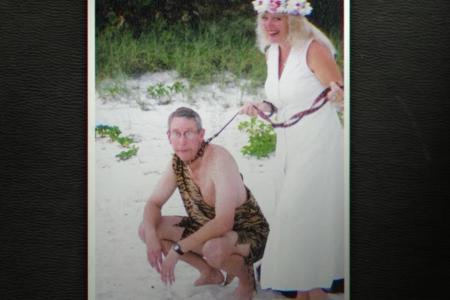tg - wedding leash.png